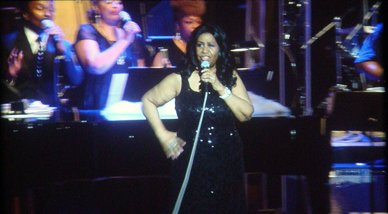 Aretha Franklin Brings Her Diva Show to Ravinia