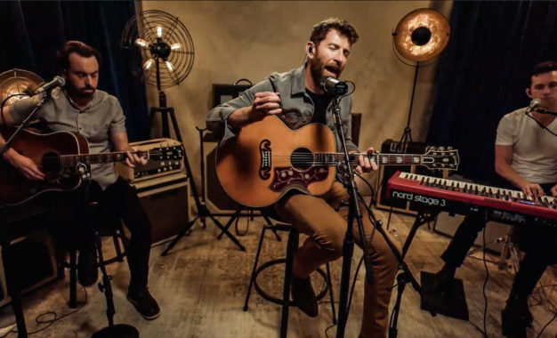 Nashville Based Artist, Brett Eldredge, Plays Virtual Concert With Central Viewing At The Chicago Theatre