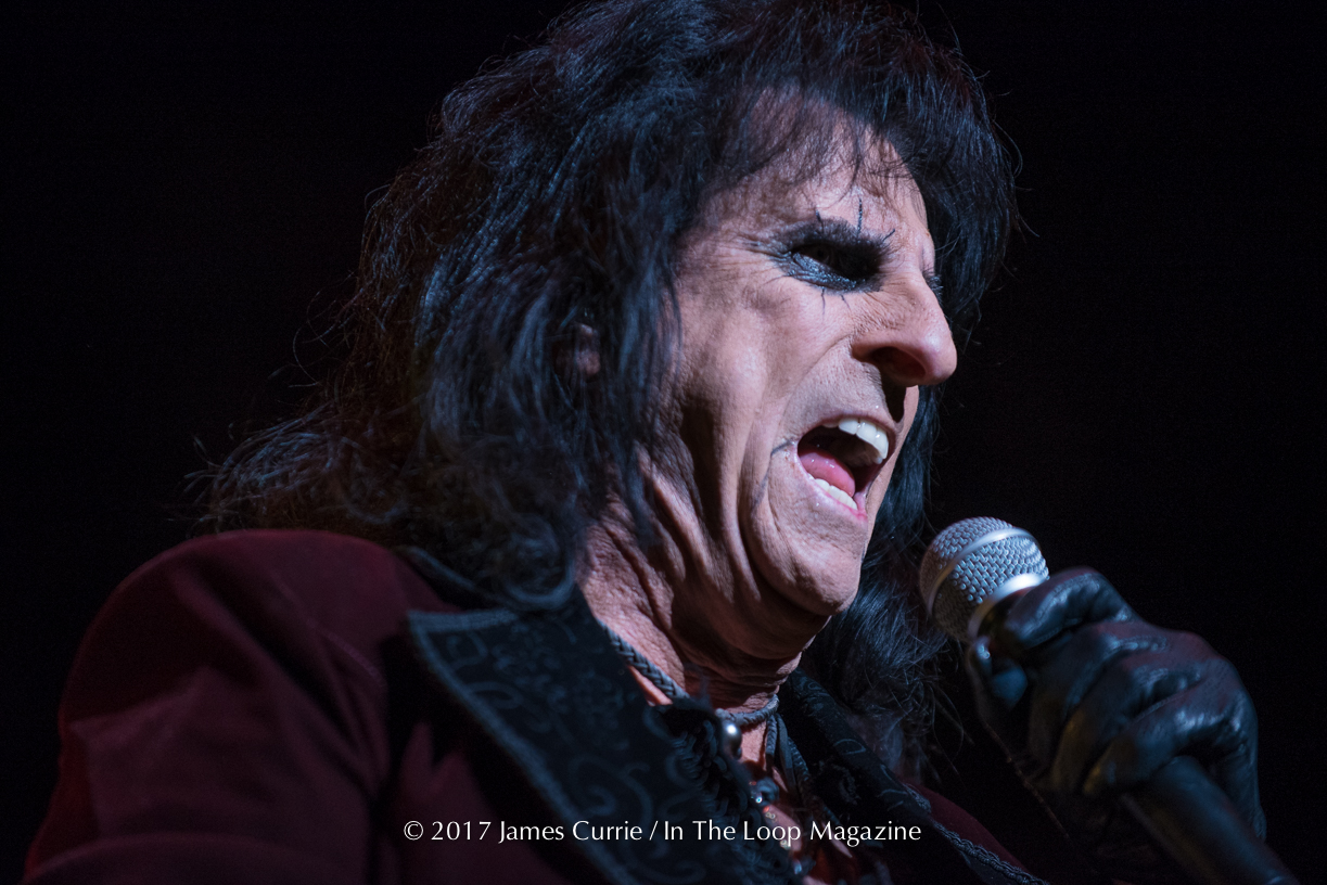Alice Cooper Brings Spooktacular Vaudevillian Rock Show To Tinley Park
