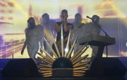 Photo Gallery : Empire of the Sun Live at Aragon Ballroom