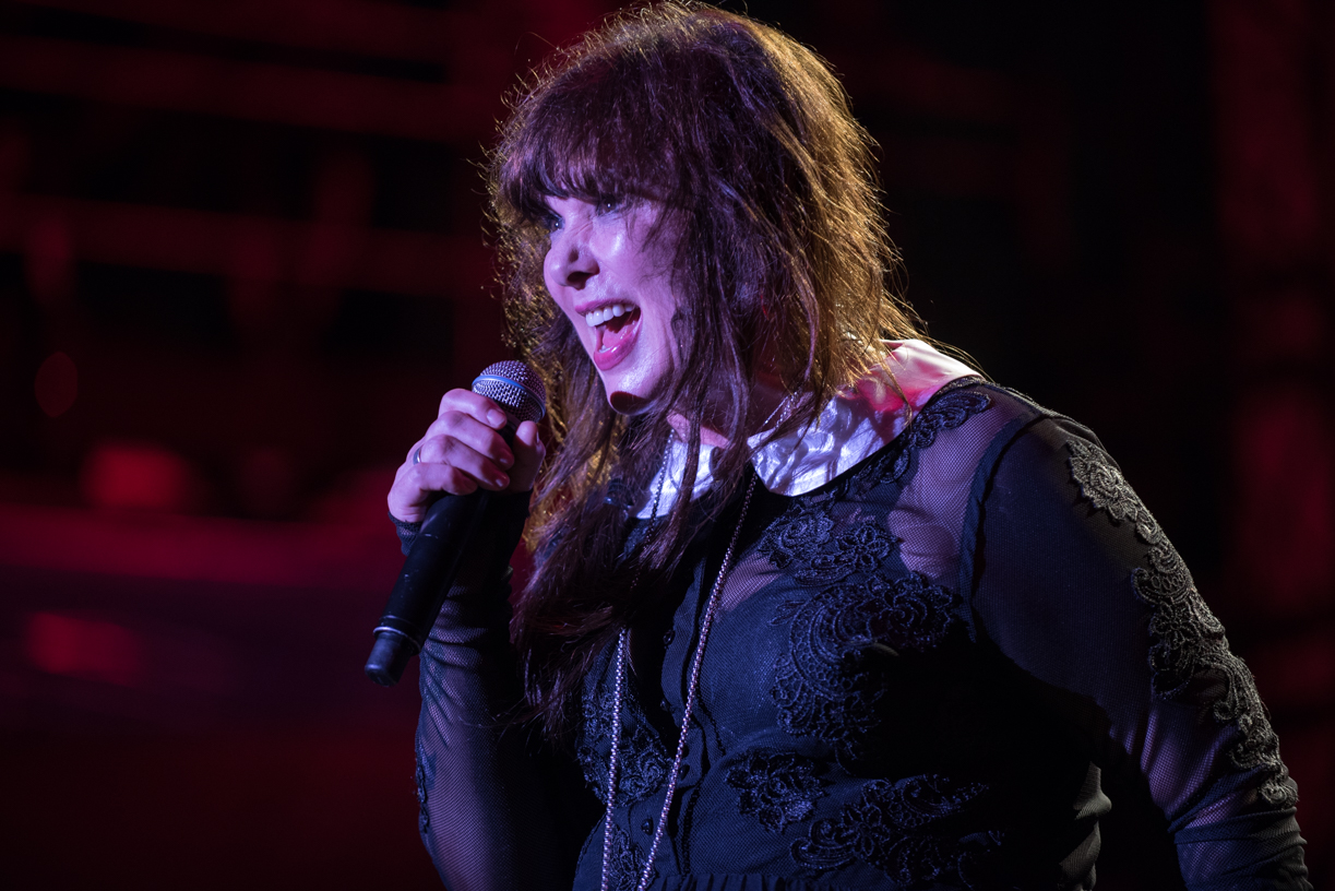 Heart Headline Rock Hall Three For All Tour In Chicago With Joan Jett And Cheap Trick