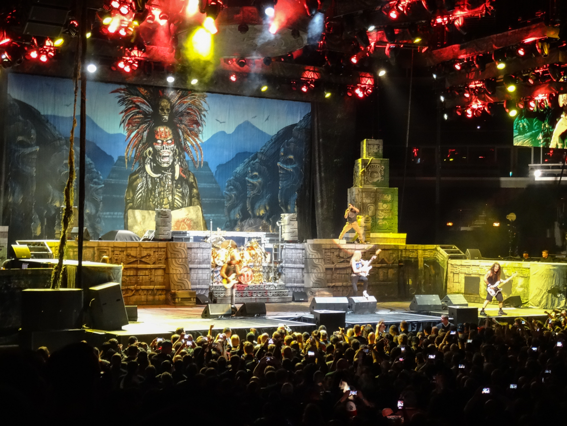 Iron Maiden Book Of Souls Tour Showcases No Wasted Years In Chicago