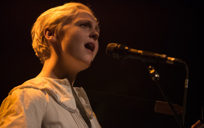 Photo Gallery : Laura Marling Plays Sold Out Show at Lincoln Hall