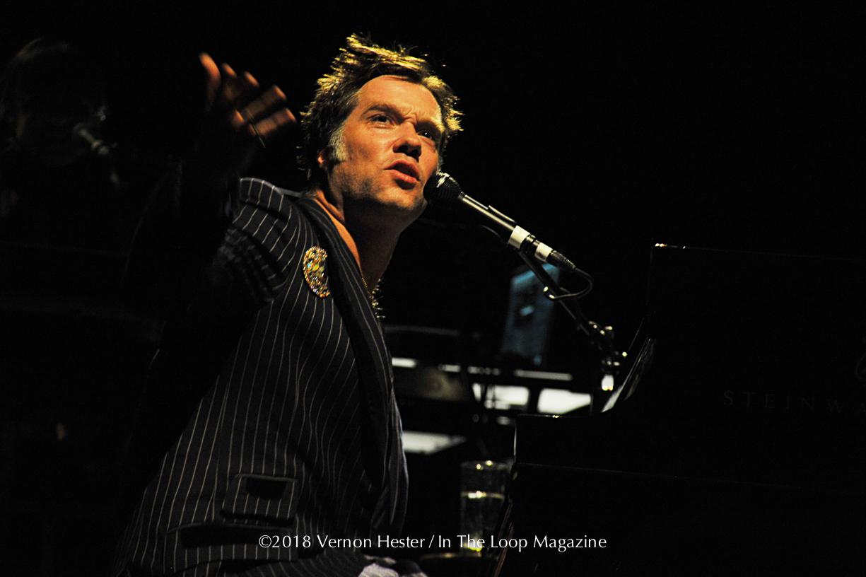Photo Gallery: Rufus Wainwright @ The Vic Theater